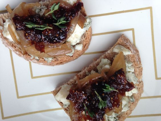 crostini apricot crostini fig and gorgonzola crostini with honey
