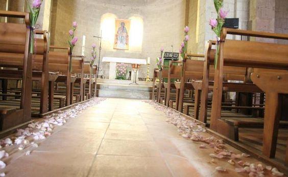1500 pétales de roses #francefleurs #mariage #fleurs