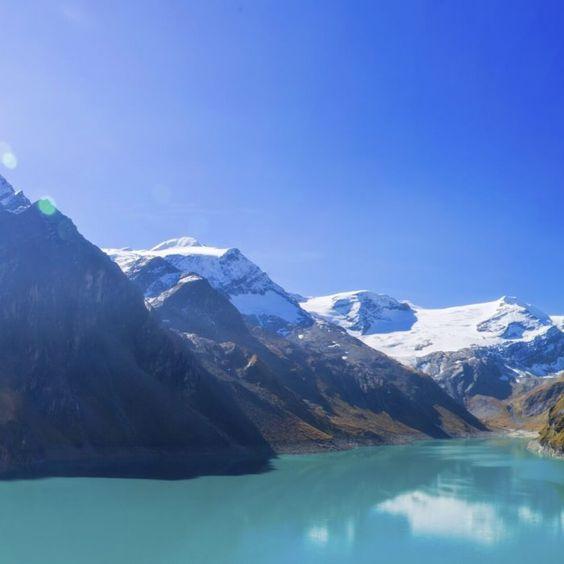 Genehmige dir eine aktive und erholsame Auszeit im Herzen der beliebten Urlaubsgemeinde Kaprun. Dich erwarten sportliche Tage in den Bergen, …