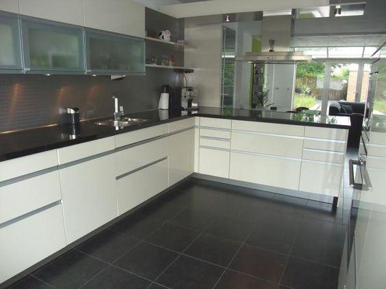 Wandtegel keuken grijs google zoeken keukenblok oven pinterest zoeken en google - Keuken grijs en blauw ...