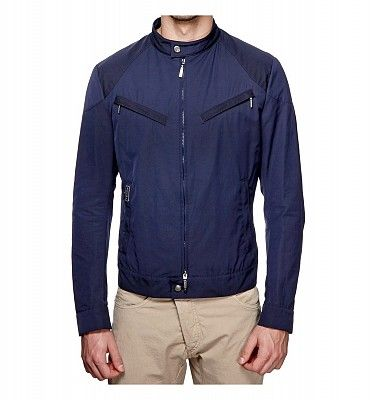 BREMA 307 I/M  Sportività, stile e comfort sono le caratteristiche chiave di questa giacca dal taglio minimal con zip e 4 tasche, pratica e leggera. Realizzata in cotone e poliestere.