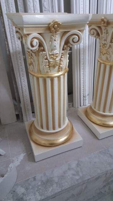 Coppia di colonne panna e oro foglia  2