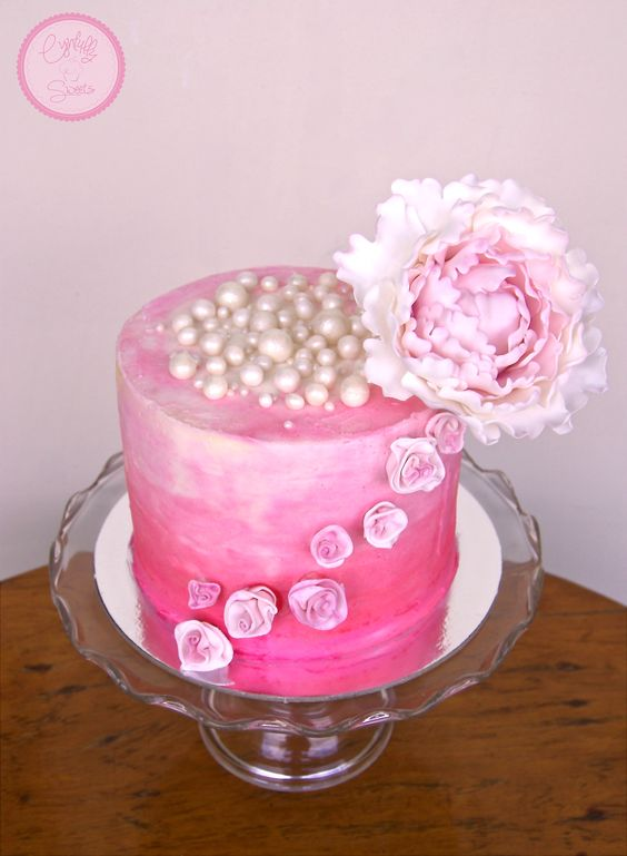 Veluz RTW Editorial Shoot , Pink Ombre Cake with large peony toppers, rosebuds and pearl details