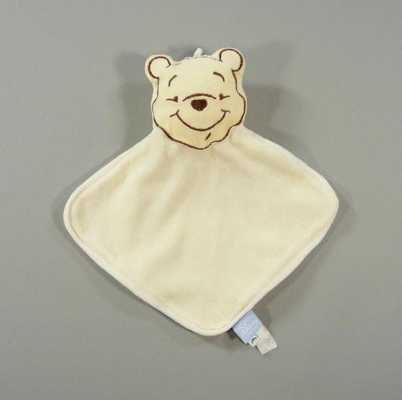 Doudou plat ours Winnie velours jaune Disney Baby