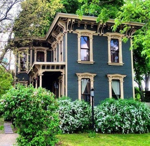 90 Coolest Victorian House Colors Ideas Choosing For Your Home Or Office Inspira Spaces Victorian Homes Exterior Victorian House Colors Victorian Homes