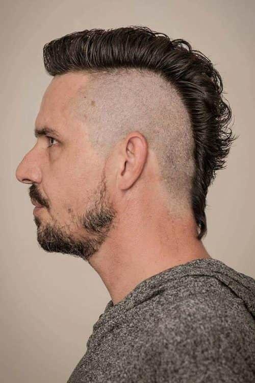 Rockstars Bevorzugen Den Grandiosen Mohawk Haarschnitt Nichts Fur Nichts Irokesenschnitt Manner Irokesenschnitt Manner Irokese