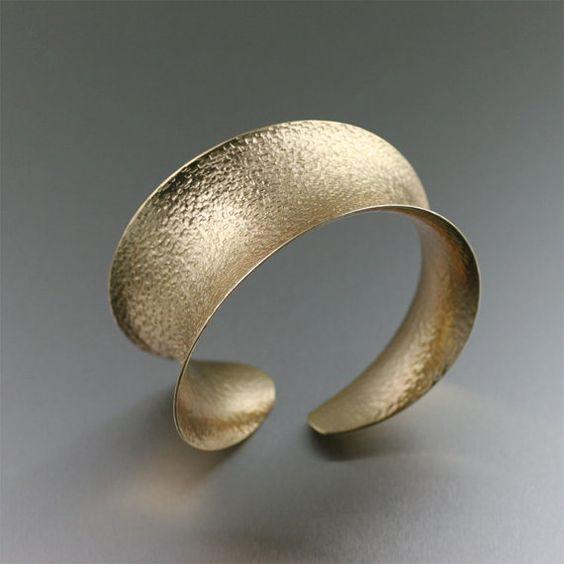 Tutorials and videos on how to make beautiful Handmade Jewelry