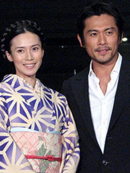 中谷美紀共演俳優と美しい着物2ショット画像
