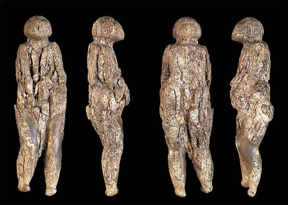 Zaraysk Venus; Not voluptuous, but one of the 'thin' Kostenki - Avdeevo cultures' venuses; Zaraysk or Zaraisk is important Paleolithic site from the Ice Age in Russia; dates between 22,000 and 16,000 years ago; mammoth tusk; Height 166 mm