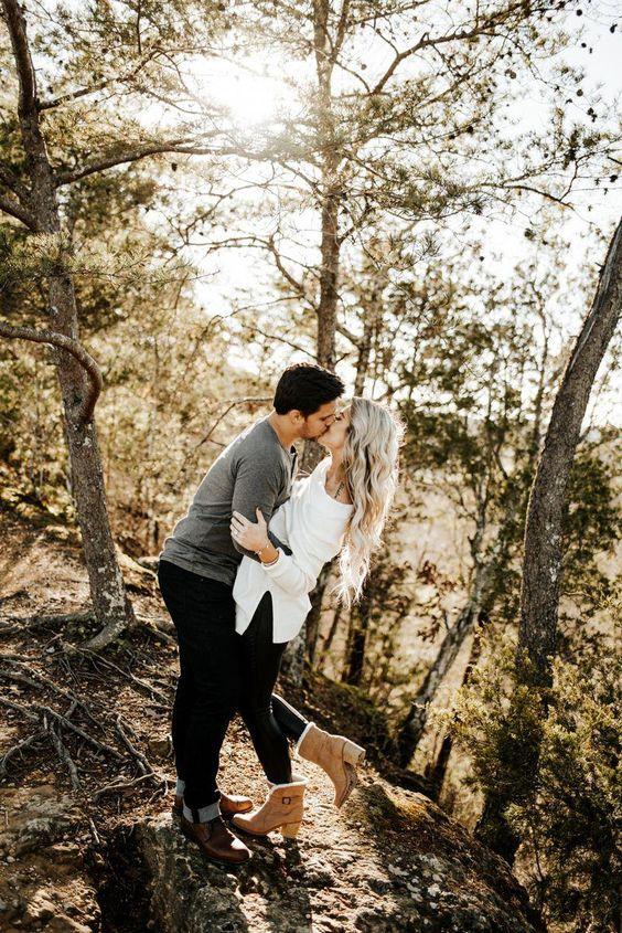 Engagement Photo Ideas. Nashville Engagement Photos #couplegoalspicturesphotoideas