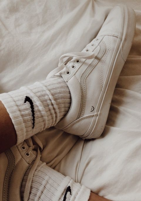 Posible Canadá limpiar  VSCO - jordanmoorefieldd - Images | Nike socks outfit, Sock outfits, Jeans  and sneakers outfit