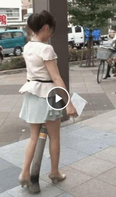 garota e surpreendida por ferro engraçado…