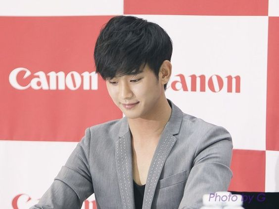 cool Kim Soo Hyun – Canon Fansign event (28.04.2012)