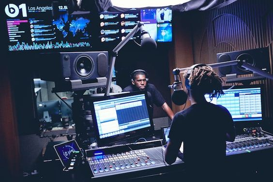 Flying Lotus y Jaden Smith en Beats 1.