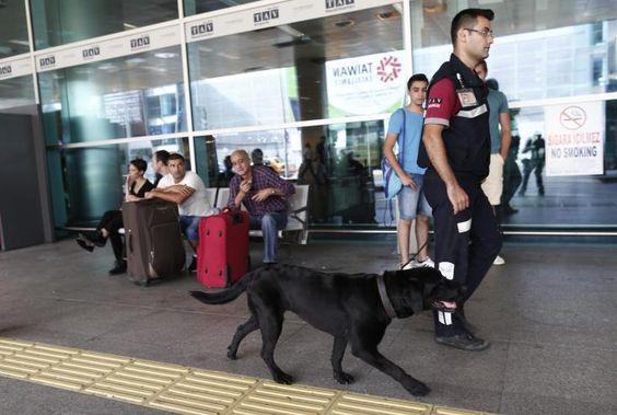 Πιθανότατα ξένος ένας εκ των τρομοκρατών, σύμφωνα με την τουρκική προεδρία