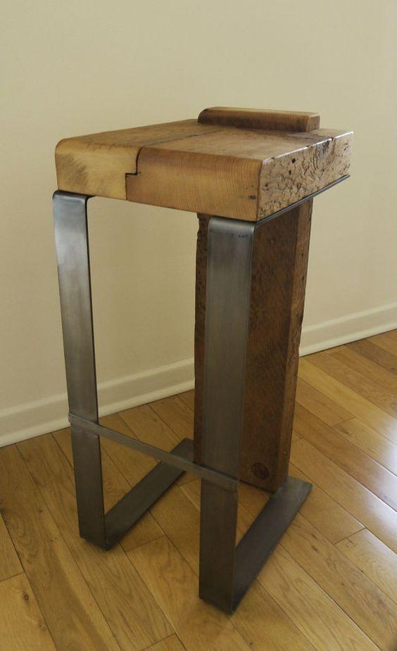 Madera recuperada y metal hecho a mano taburete de bar for Taburete bar madera