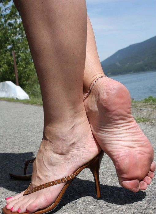 Mature Sexy Feet Pictures