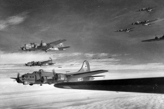 """Boeing B-17 négymotoros nehézbombázók, a """"repülő erődök"""""""