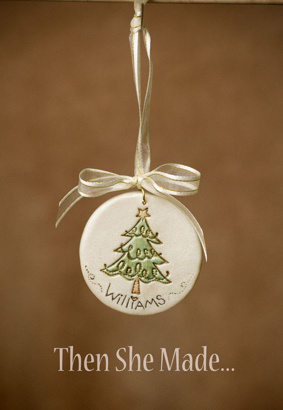 This handmade Christmas ornament is so cute! Easy to make - with so many different options you could try!