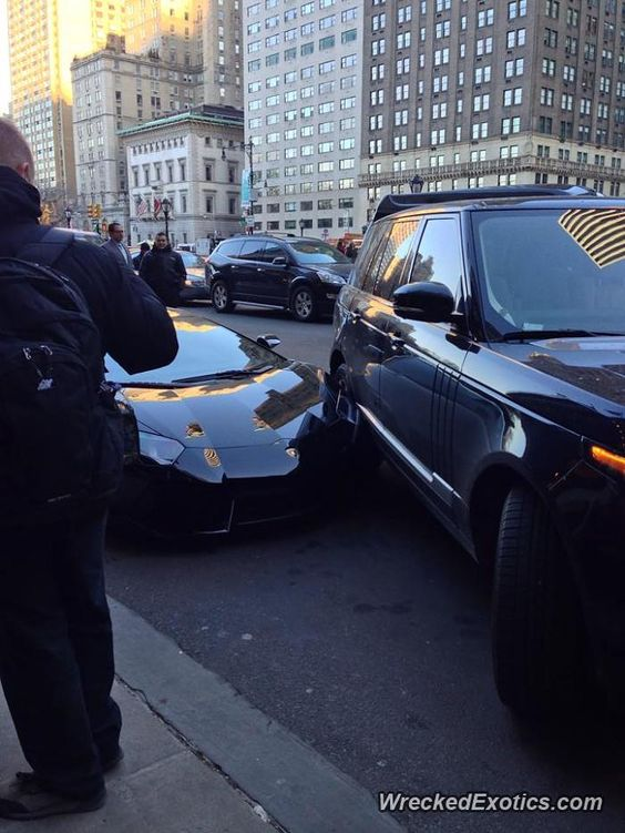 Lamborghini Aventador Crashed In New York, New York