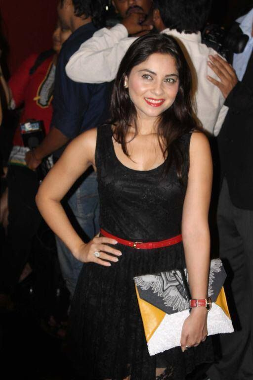 #Sonalee Kulkarni (सोनाली #कुलकर्णी मराठी #अभिनेत्री) is an Indian actress, originally from Pune, India. She is noted for her role in the acclaimed 2009 Marathi film Natarang.She has acted in many films including the smash-hit Grand Masti (2013) #Marathi #actress #marathi #movies