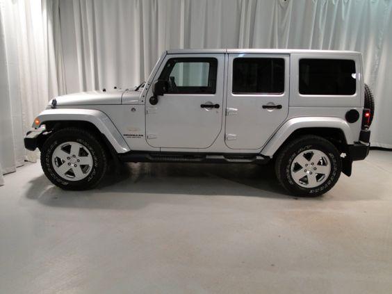 2011 silver jeep wrangler unlimited sahara. Black Bedroom Furniture Sets. Home Design Ideas