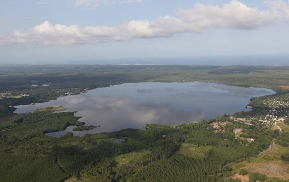 Le Lac de Léon... Grandiose comme toujours Les Landes vues du ciel by SudOuest.fr
