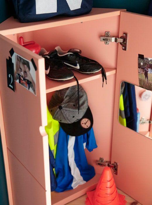 Ikea Lots Spiegel In Einem Ikea Ps Eckschrank Flur Gestalten