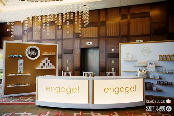engage!12 registration and gifting 'bar' designed by Bob Gail Events