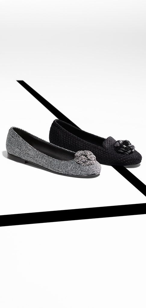 Tweed loafers embellished with... - CHANEL