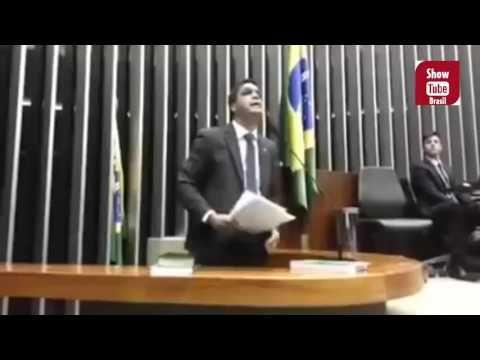 Politico do próprio PSOL esculacha Freixo, Jean Wyllys e o partido