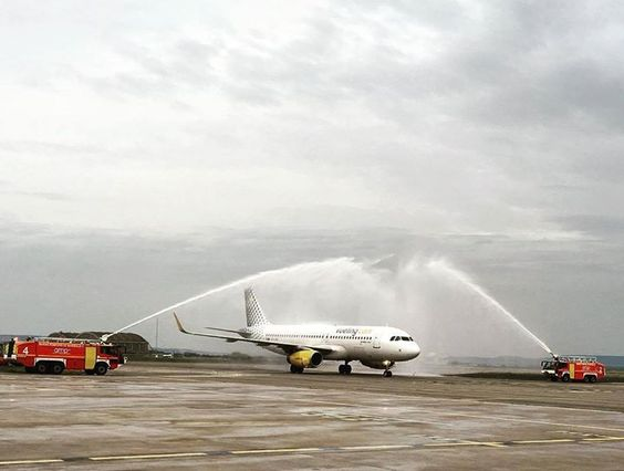Comparateur de voyages http://www.hotels-live.com : Water cannon salute at the opening flight for our first flight from Marseille to Malaga! #vueling #love #new #routes #MRS #AGP Hotels-live.com via https://www.instagram.com/p/BDz5tB1gi44/ #Flickr via Hotels-live.com https://www.facebook.com/125048940862168/photos/a.1112473742119678.1073741919.125048940862168/1141225355911183/?type=3 #Tumblr #Hotels-live.com