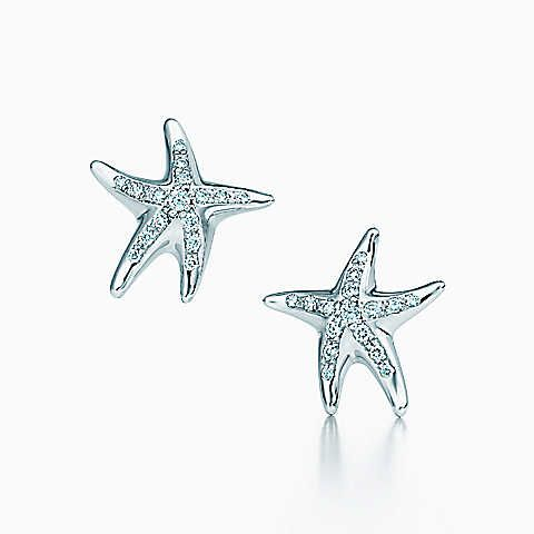 Elsa Peretti® Starfish earrings with diamonds in platinum.