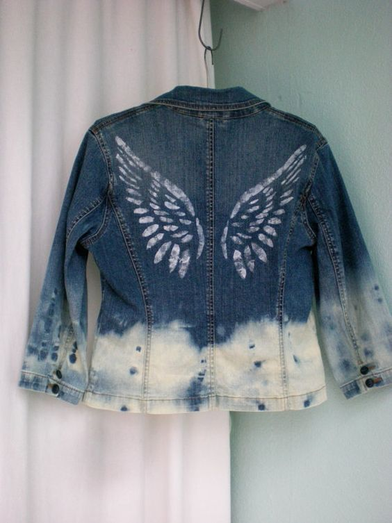 SUPER TRENDY adorable Ombre dyed jacket! Unique pattern gives this jacket a distinctive look! Upcycled with bleach technique on the bottom for an unusual pattern! Angel wings stencil in white with a bit of sparkle and a PEACE patch on the front completes this INSPIRATION jacket! 21 from shoulder to bottom Womens SMALL Cotton with a touch of spandex