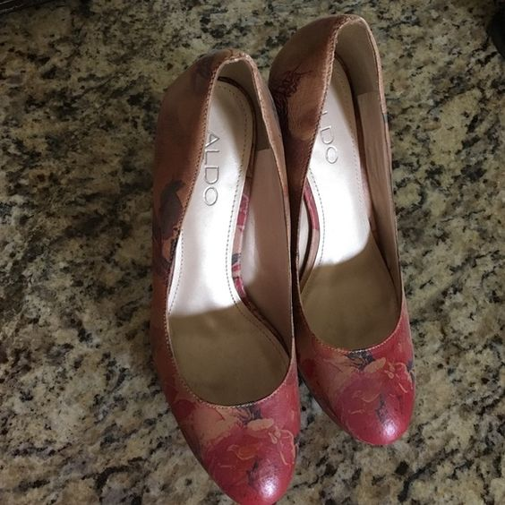 Aldo heels perfect for spring great condition Aldo heels only worn a couple times in great shape. Perfect for spring ALDO Shoes Heels