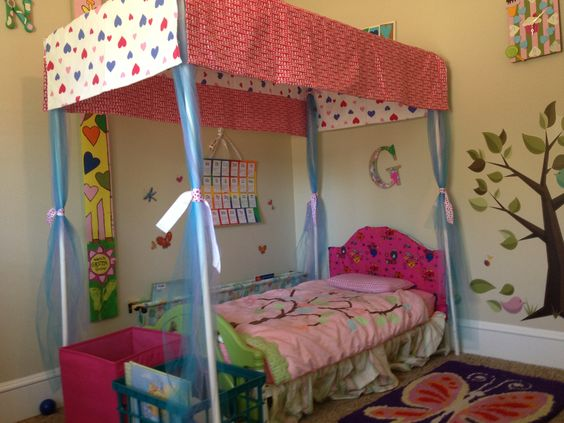 DIY Canopy Bed...Love The Idea Plus The Fabric She Used For The Canopy Is  What Cu0027s Curtains Are Made From Wish I Had More Of It Now!!