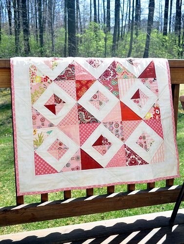 'Little Pink quilt' created by Tracy of tracyjay quilts.  So sweet and fresh!  I love this one!