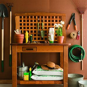 The Five Essential Garden Tools Everyone Needs