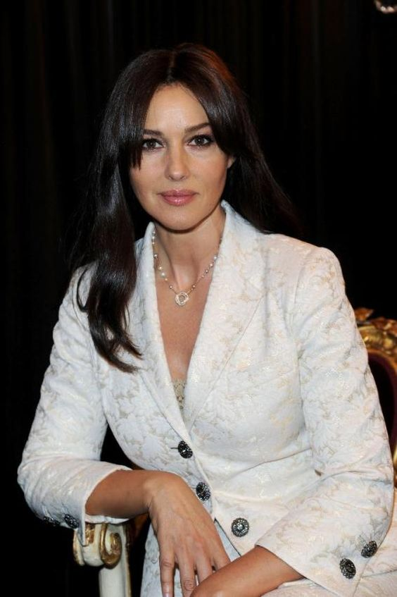Louboutin pumps are sexy: Monica Bellucci in Louboutins 'Torero' heels