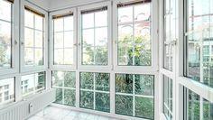 """Besonders geräumig dank charakteristischer Auskragungen sind die Balkone ausgefallen; ideal für lauschige Abende mit der Familie. Gleiches gilt für den großzügigen Gartenbereich. Ist die Witterung aber launisch, garantieren die beheizten Wintergärten in den Erd- und 1. Obergschossen für ein Gefühl """"fast wie draußen"""". #balkon #garten  Hier klicken für mehr Infos zum Projekt: http://ziegert-immobilien.de/de/projekte/Nicolaistr-61-61a/"""