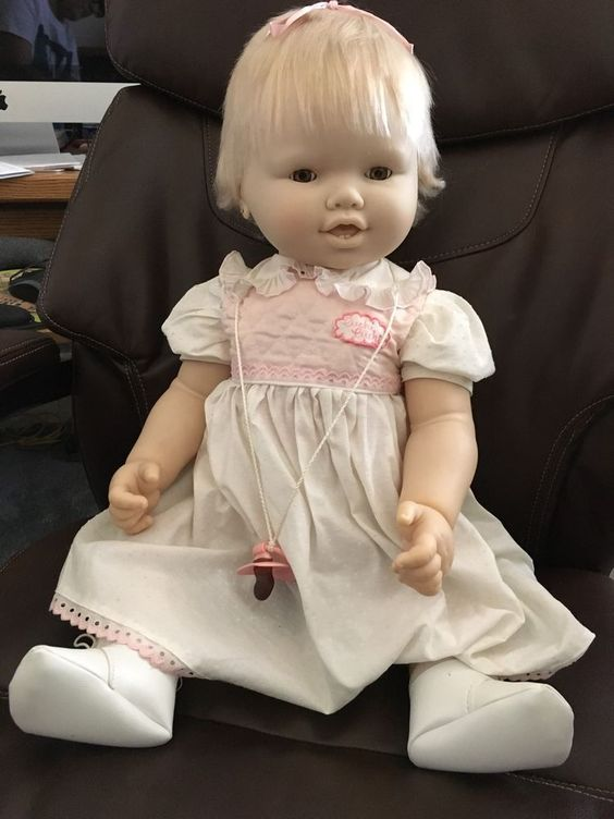 """Vintage BB Cuchi Cucchi Baby Doll 24"""" Vinyl Made In Spain Original Outfit Cute! #BBSpain #DollswithClothingAccessories"""