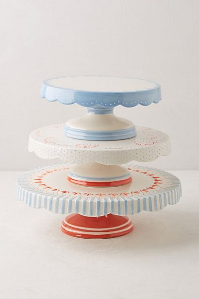 Such pretty celebration cake stands anthrofave http for Pretty cake stands