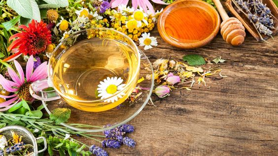 Entzündungshemmende Lebensmittel helfen bei einer Entzündung im Körper wie Halsentzündung, Mandelentzündung, aber auch bei Rheuma oder Arthrose.