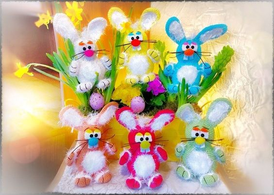 Häkle jetzt los, denn den Hasen zum Stecken in Blumen-Töpfe oder zum sitzen. Amigurumi, Häkelanleitung, Hase, Ostern, Kinderspielzeug, Wolle, Geschenk, Deko, Deutsch
