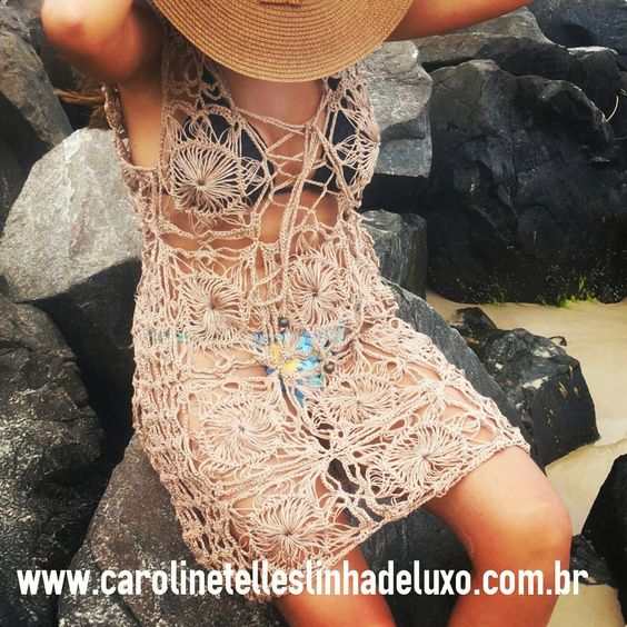 #saidadepraia cor de #cobre em seda sintética e 100% #feitoamao ★★★★★ #moda #crochet #croche #crochetfashion #praia #modapraia #modacrochet #fashion #fashionista #blog #blogger #dresscrochet #summer2016 #verao2016 #dress #estilo #style