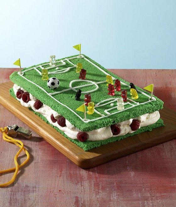 Kicker-Kuchen für fußballbegeisterte Jungs