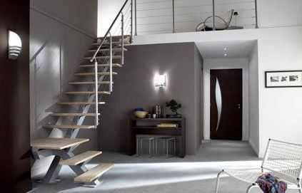 escalier dans hall d 39 entr e maison avec mezzanine recherche google id es am nagement. Black Bedroom Furniture Sets. Home Design Ideas