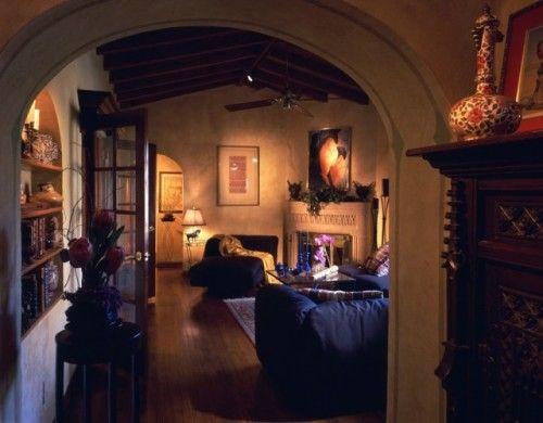 nice decor, romantically lighted, dark woods yummy
