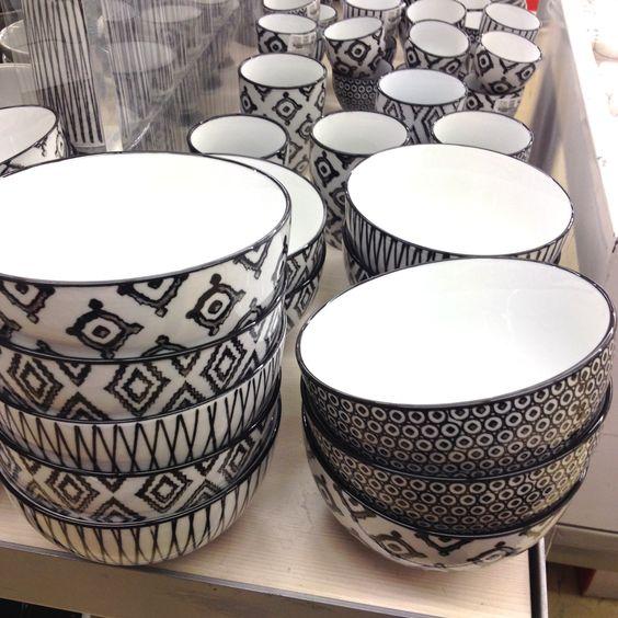 vaisse ethnique monoprix noir et blanc motif ethnique pinterest. Black Bedroom Furniture Sets. Home Design Ideas