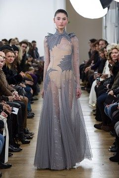 Dragonish Dress. Daenerys will look soo pretty in this!
